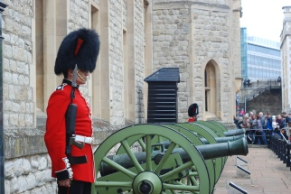 Guards at the Tower of London (London)